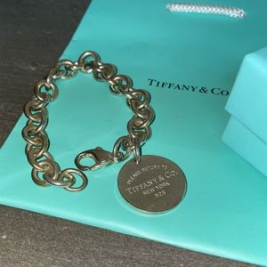Tiffany & Company Round Tag bracelet